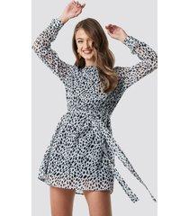 na-kd dalmation spots print dress - multicolor
