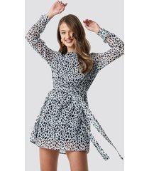 na-kd dalmation spots print dress - grey,multicolor