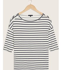 camiseta estampada manga 3/4 con cuello tipo ojal-l