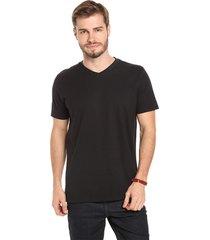 camiseta lucinoze manga curta gola v lisa preta
