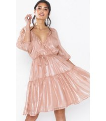 nly eve volume wrap dress loose fit