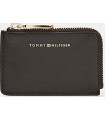 tommy hilfiger women's credit card zip wallet black -