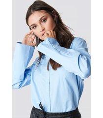 na-kd classic wide cuff shirt - blue
