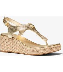 mk sandalo laney stile espadrilla in pelle stampa lucertola metallizzata con zeppa - oro pallido (oro) - michael kors