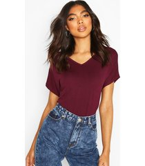 tall scoop neck basic t-shirt, berry