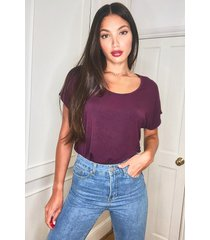 tall scoop neck basic t-shirt, berry