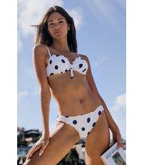 hunkemöller scallop rio bikiniunderdel med låg midja vit