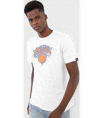camiseta new era new york  knicks branca - branco - masculino - dafiti