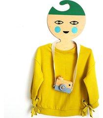 wieszak chłopiec zielone włosy