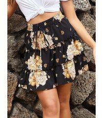 falda de gasa con estampado floral y ribete de volantes