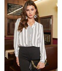 blusa de manga larga con cuello en v de gasa a rayas blancas