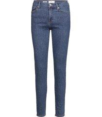 elsa slimmade jeans blå mango