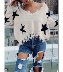 suéter de manga larga con cuello en v y dobladillo irregular con estrellas rasgadas
