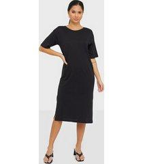 noisy may nmmayden 2/4 dress noos fodralklänningar