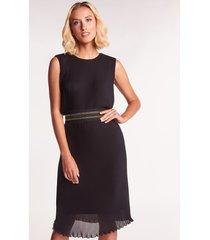 czarna sukienka plisowana aven
