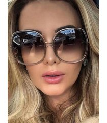 gafas de sol con montura redonda vendimia