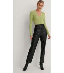 na-kd lätt ribbstickad tröja med v-ringning - green