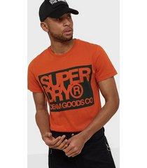 superdry denim goods co print tee t-shirts & linnen orange