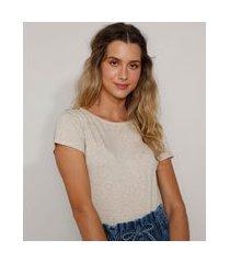 camiseta feminina básica com botões manga curta decote redondo kaki