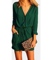 cintura con cordón verde 3/4 con cuello en v longitud mangas cruzadas vestido con transparencias diseño