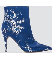 na-kd shoes jacquard flower satin boots - blue