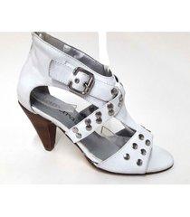 sandalia de cuero blanca tamara shoes tachas