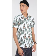 camisa masculina estampada tropical com caveira manga curta off white