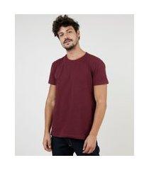 camiseta masculina manga curta básica com elastano gola careca vinho