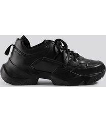 danny saucedo x na-kd chunky sneaker - black