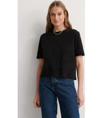 na-kd basic ekologisk t-shirt - black