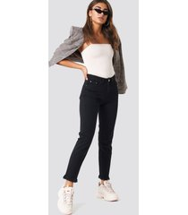 na-kd trend fray hem jeans - black