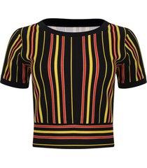 camiseta con fajon color negro, talla 8