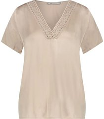 top met kanten v hals sinnie  beige