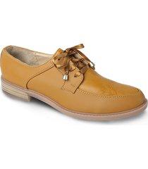 calzado tipo oxford mostaza