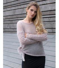 sweter wiązany jasny róż