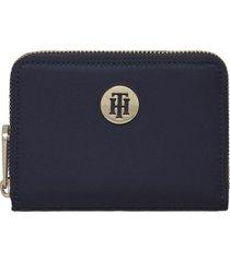 billetera chica con insignia azul tommy hilfiger