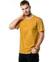 camiseta manga curta full geometric mostarda masculina - masculino