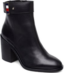 corporate hardware bootie shoes boots ankle boots ankle boots with heel svart tommy hilfiger
