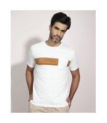 camiseta com recorte em suede manga curta gola careca off white