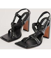 na-kd shoes högklackade skor med knyt - black