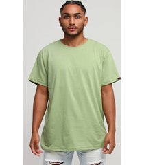 camiseta básica verde sálvia