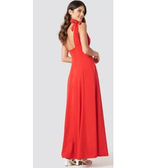 na-kd party tie detail open back maxi dress - red