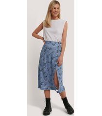 na-kd asymmetrical button midi skirt - blue