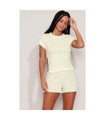pijama feminino canelado listrado com frufru manga curta amarelo