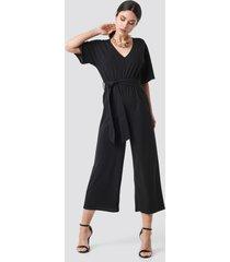 na-kd v-neck wide leg jumpsuit - black