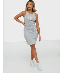 calvin klein jeans monogram stretch tank dress fodralklänningar