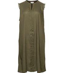 carmumi sl knee dress knälång klänning grön only carmakoma