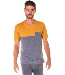 camiseta masculina ocre c/ recorte e bolso s/ estampa - area verde - multicolorido - masculino - dafiti