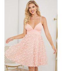 mini vestido con diseño sin espalda de malla con apliques de mariposa de yoins