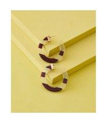 brinco de argola de resina e madeira - brinco kecil cor: marrom - tamanho: único
